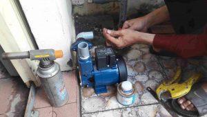 Sửa máy bơm bị chảy nước